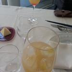 ラー・エ・ミクニ - グラスはリーデル        お水のグラスもリーデル