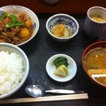 青田 - 肉じゃが定食