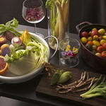 リストランテ・ダ・フィオーレ - 多種の季節野菜が彩ります。