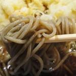 そば処 丸福 - かに天そば(1000円)麺