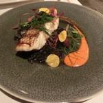 18962320 - 本日鮮魚のグリル、イカ墨とパプリカのソース1450円