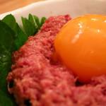 鳥缶キッチン - 馬肉缶ユッケ380円