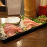 金町製麺 - 料理写真:2013.5 天然ブリの刺身(380円)、馬バラ肉の刺身(380円)、鰯のなめろう(380円)
