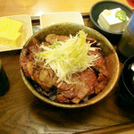 とんとん拍子 - 豚丼セット820円