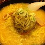 横浜元祖 札幌や - 味噌ラーメン(大盛) @¥800−(麺硬め)