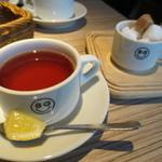 8G shinsaibashi - 紅茶
