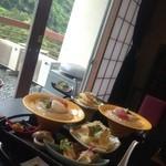 旅館 寿亭 - 料理写真:お昼の懐石