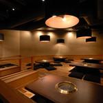 焼肉居酒家 韓の台所 - 広々とした寛ぎのあるお席です♪大人数宴会におすすめ!