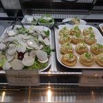 カプリカフェ - サイドG : 塩キャラメルプリン サラダ : あやめ雪蕪 と サラダ蕪