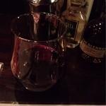 カンド クラブ バー - 赤ワインシングル100円
