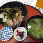 居酒屋風味処味工房 - 海鮮丼定食