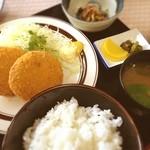 食事処すその - 日替りメンチカツ定食(๑´ڡ`๑)リーズナブルなワンコイン(๑¯◡¯๑)
