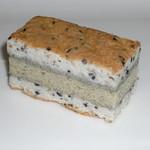 羽鳥屋 - いしおかサンド市産ごまのケーキ(210円)