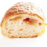 パン・ドゥ・キュイソン - トマトとチーズの断面。 '13 2月下旬