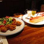 シーメンスクラブ - フライドチキンとホットドッグ