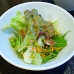 馬車道 - バラエティピッツァセットA ¥1,190 ※季節の彩りサラダ
