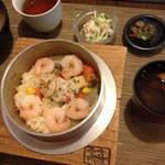 KikiZakeダイニング志喜 - 海と畑(ランチの釜飯)