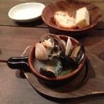 ピグローネ - 貝ガーリック煮(¥500)
