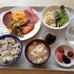 レストランロータス - ホテル3回目の朝ご飯。 ちょい飽きたかな?