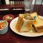 ヨンパチ食堂 - 山西ポークメンチカツサンド