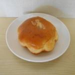 ベーカーズファーム - クリームパン。カタチもカワいい♪