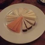 Cafe/Bar OIL - チーズの盛り合わせ