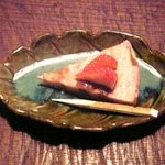 菜懐石 仙 - 苺と小豆とレーズンのケーキ