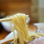 麺 高はし - 麺は少し太めのストレート