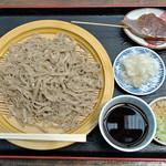 土津園 - 料理写真:手打ち甚太郎ざるそば大(900円)