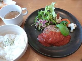 薫家 - 日替わりランチ1380円、本日の肉料理(ハンバーグ)
