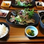 19009830 - 萬歳峰爺 日替り肉ランチ ¥900円