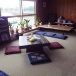 19010503 - 普通の居間ですが落ち着きます。