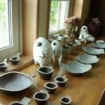 フラフィー - 常滑の陶芸作家ミヤチヤスヨさんの作品 素朴な感じでお店の雰囲気にぴったり☆