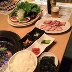 情熱焼肉ファイティングマン - サムギョプサルランチ¥980-