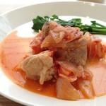 コロモ チャ ヤ - 鶏肉とトマトのコトコト煮