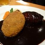 レストラン 西櫻亭 京都店 - メンチカツとハンバーグ