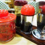 キッチンヨッチ - 卓上の調味料