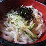 竹林亭 - ミニうどんは添えられた中華スープをぶっかけていただきます。