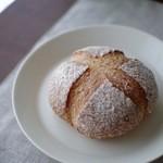 福ちゃんのパン - カンパーニュ(ミニサイズ?200円)