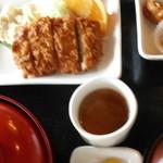 ロッコー - ロースカツ定食 800円