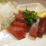 じゅげむ鉄板焼 - まぐろのお刺身!日替わりで海鮮メニューもあります。