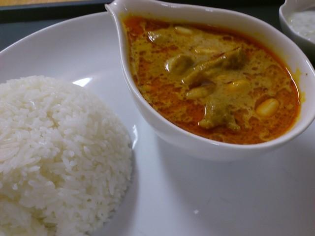 ジムジュム - 世界で一番美味しいカレー「マサマンカレー」\790