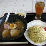 ぎょうざ家 - 料理写真:ラーメン・チャーハンのセット(680円)
