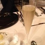 レストラン マノワ - まずは乾杯