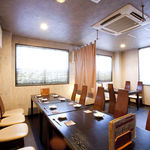 牛・キムラ - 宴会には、間仕切りで個室のような空間に。