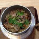 三松 - 料理写真:ほろほろ鳥釜めし(アップ)