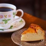きりんかん - ブレンド、ベイクドチーズケーキ