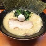 川口家 - ラーメン600円