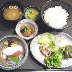 大よし - ハーフ&ハーフ定食 780円