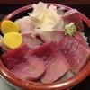 初音鮨本店 - 料理写真:二色丼(950円)